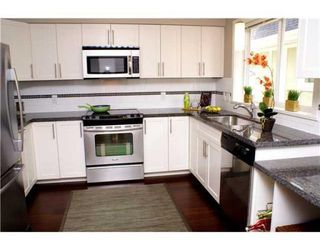 Photo 2: # 3 315 E 33RD AV in Vancouver: Condo for sale : MLS®# V834983