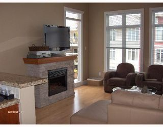 "Photo 3: 427 4280 MONCTON Street in Richmond: Steveston South Condo for sale in ""THE VILLAGE"" : MLS®# V656451"