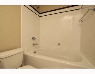 """Photo 5: 701 170 W 1ST Street in North_Vancouver: Lower Lonsdale Condo for sale in """"ONE PARK LANE"""" (North Vancouver)  : MLS®# V678503"""