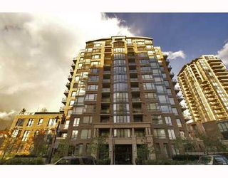 """Photo 2: 701 170 W 1ST Street in North_Vancouver: Lower Lonsdale Condo for sale in """"ONE PARK LANE"""" (North Vancouver)  : MLS®# V678503"""