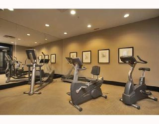 """Photo 10: 701 170 W 1ST Street in North_Vancouver: Lower Lonsdale Condo for sale in """"ONE PARK LANE"""" (North Vancouver)  : MLS®# V678503"""