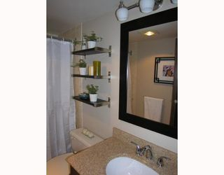 Photo 7: 204 444 LONSDALE Avenue in North_Vancouver: Lower Lonsdale Condo for sale (North Vancouver)  : MLS®# V688529