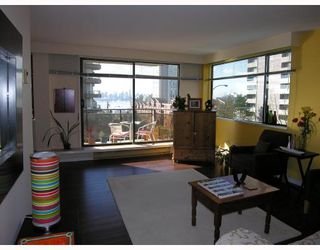 Photo 3: 204 444 LONSDALE Avenue in North_Vancouver: Lower Lonsdale Condo for sale (North Vancouver)  : MLS®# V688529