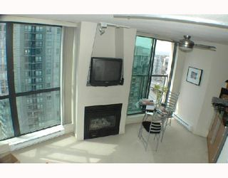 "Photo 2: 2703 501 PACIFIC Street in Vancouver: Downtown VW Condo for sale in ""THE 501"" (Vancouver West)  : MLS®# V698501"