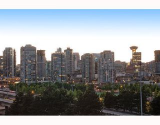 "Photo 20: 902 919 STATION Street in Vancouver: Mount Pleasant VE Condo for sale in ""THE LEFT BANK"" (Vancouver East)  : MLS®# V712844"