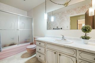 Photo 13: 6477 KNIGHT Drive in Delta: Sunshine Hills Woods House for sale (N. Delta)  : MLS®# R2395088