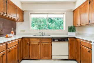 Photo 5: 6477 KNIGHT Drive in Delta: Sunshine Hills Woods House for sale (N. Delta)  : MLS®# R2395088