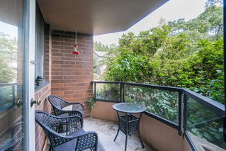 """Photo 14: 203 3905 SPRINGTREE Drive in Vancouver: Quilchena Condo for sale in """"King Edward Place"""" (Vancouver West)  : MLS®# R2403953"""