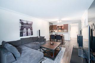 """Photo 4: 203 3905 SPRINGTREE Drive in Vancouver: Quilchena Condo for sale in """"King Edward Place"""" (Vancouver West)  : MLS®# R2403953"""