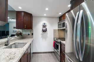 """Photo 7: 203 3905 SPRINGTREE Drive in Vancouver: Quilchena Condo for sale in """"King Edward Place"""" (Vancouver West)  : MLS®# R2403953"""
