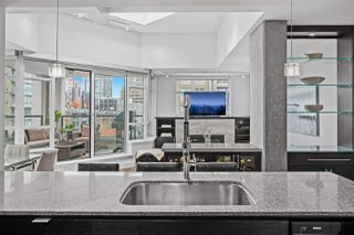 """Photo 6: PH2 988 RICHARDS Street in Vancouver: Yaletown Condo for sale in """"Tribeca Lofts"""" (Vancouver West)  : MLS®# R2412418"""