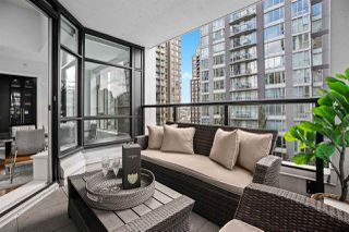 """Photo 17: PH2 988 RICHARDS Street in Vancouver: Yaletown Condo for sale in """"Tribeca Lofts"""" (Vancouver West)  : MLS®# R2412418"""