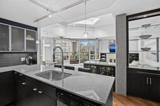 """Photo 4: PH2 988 RICHARDS Street in Vancouver: Yaletown Condo for sale in """"Tribeca Lofts"""" (Vancouver West)  : MLS®# R2412418"""