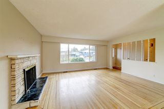 Photo 5: 1820 GROVER Avenue in Coquitlam: Central Coquitlam House for sale : MLS®# R2420677