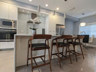 """Photo 9: 106 8080 BLUNDELL Road in Richmond: Garden City Townhouse for sale in """"YEW TOWNHOMES"""" : MLS®# R2482739"""