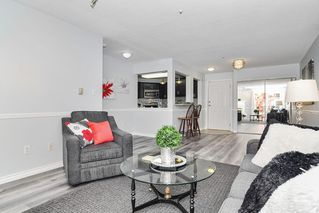 """Photo 5: 307 20189 54 Avenue in Langley: Langley City Condo for sale in """"CATALINA GARDENS"""" : MLS®# R2512331"""