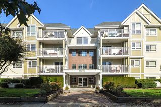 """Photo 2: 307 20189 54 Avenue in Langley: Langley City Condo for sale in """"CATALINA GARDENS"""" : MLS®# R2512331"""
