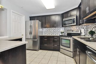 """Photo 8: 307 20189 54 Avenue in Langley: Langley City Condo for sale in """"CATALINA GARDENS"""" : MLS®# R2512331"""