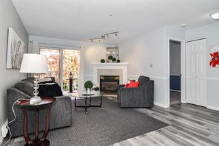"""Photo 4: 307 20189 54 Avenue in Langley: Langley City Condo for sale in """"CATALINA GARDENS"""" : MLS®# R2512331"""