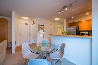 """Photo 9: PH 401 2181 W 12TH Avenue in Vancouver: Kitsilano Condo for sale in """"THE CARLINGS"""" (Vancouver West)  : MLS®# R2516161"""