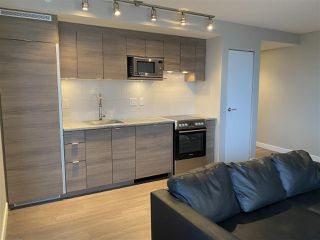 """Photo 6: 1603 488 SW MARINE Drive in Vancouver: Marpole Condo for sale in """"Marine Gateway"""" (Vancouver West)  : MLS®# R2517856"""