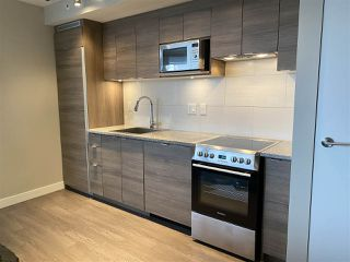 """Photo 5: 1603 488 SW MARINE Drive in Vancouver: Marpole Condo for sale in """"Marine Gateway"""" (Vancouver West)  : MLS®# R2517856"""