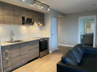 "Photo 7: 1603 488 SW MARINE Drive in Vancouver: Marpole Condo for sale in ""Marine Gateway"" (Vancouver West)  : MLS®# R2517856"
