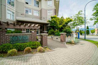 Photo 6: 401 13555 GATEWAY Drive in Surrey: Whalley Condo for sale (North Surrey)  : MLS®# R2528639
