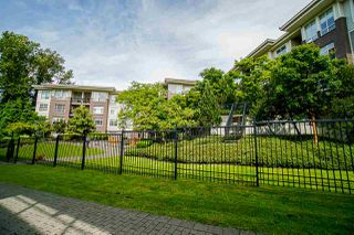 Photo 32: 401 13555 GATEWAY Drive in Surrey: Whalley Condo for sale (North Surrey)  : MLS®# R2528639
