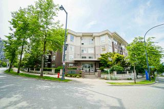 Photo 5: 401 13555 GATEWAY Drive in Surrey: Whalley Condo for sale (North Surrey)  : MLS®# R2528639
