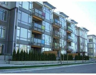 "Photo 1: 109 14300 RIVERPORT Way in Richmond: East Richmond Condo for sale in ""WATERSTONE PIER"" : MLS®# V668761"