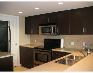 """Photo 2: 902 295 GUILDFORD Way in Port_Moody: North Shore Pt Moody Condo for sale in """"BENTELY"""" (Port Moody)  : MLS®# V677629"""