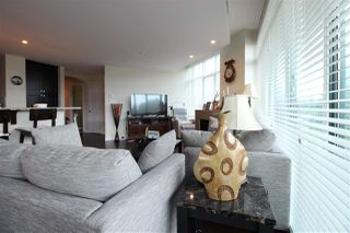 Photo 4: 505 14824 NORTH BLUFF Road: White Rock Condo for sale (South Surrey White Rock)  : MLS®# R2414846