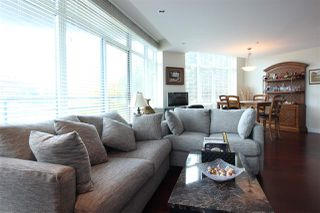 Photo 3: 505 14824 NORTH BLUFF Road: White Rock Condo for sale (South Surrey White Rock)  : MLS®# R2414846