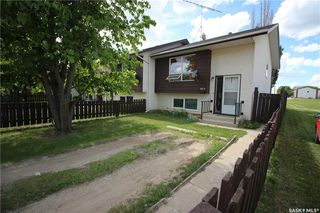 Photo 1: 301A-301B 6th Street South in Kenaston: Residential for sale : MLS®# SK810077