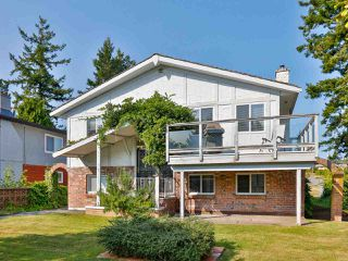 Main Photo: 15459 PACIFIC Avenue: White Rock House for sale (South Surrey White Rock)  : MLS®# R2496080