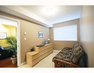 "Photo 8: PH9 702 E KING EDWARD Avenue in Vancouver: Fraser VE Condo for sale in ""MAGNOLIA"" (Vancouver East)  : MLS®# V796730"