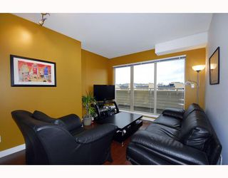 "Photo 2: PH9 702 E KING EDWARD Avenue in Vancouver: Fraser VE Condo for sale in ""MAGNOLIA"" (Vancouver East)  : MLS®# V796730"