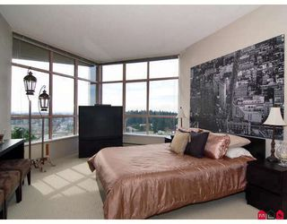 "Photo 8: 2003 14881 103A Avenue in Surrey: Guildford Condo for sale in ""SUNWEST ESTATES"" (North Surrey)  : MLS®# F2806689"