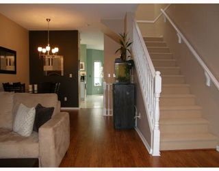 "Photo 4: 12 22000 SHARPE Avenue in Richmond: Hamilton RI Townhouse for sale in ""RICHMOND MEWS"" : MLS®# V705204"