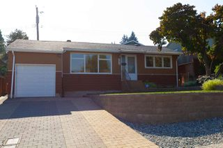 Photo 2: 906 KENT Street in New Westminster: The Heights NW House for sale : MLS®# R2426543