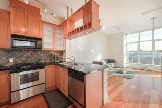 "Photo 2: 324 8988 HUDSON Street in Vancouver: Marpole Condo for sale in ""The Retro"" (Vancouver West)  : MLS®# R2435569"