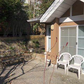 """Photo 2: 32 7488 SALISBURY Avenue in Burnaby: Highgate Townhouse for sale in """"WINSTON GARDENS"""" (Burnaby South)  : MLS®# R2445383"""