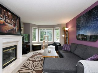 Photo 2: 206 3921 Shelbourne St in : SE Mt Tolmie Condo for sale (Saanich East)  : MLS®# 857180