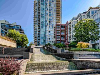 """Photo 32: 902 1000 BEACH Avenue in Vancouver: Yaletown Condo for sale in """"1000 BEACH"""" (Vancouver West)  : MLS®# R2506379"""
