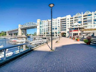 """Photo 28: 902 1000 BEACH Avenue in Vancouver: Yaletown Condo for sale in """"1000 BEACH"""" (Vancouver West)  : MLS®# R2506379"""