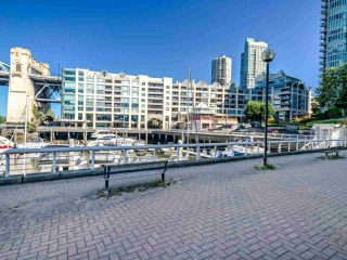 """Photo 31: 902 1000 BEACH Avenue in Vancouver: Yaletown Condo for sale in """"1000 BEACH"""" (Vancouver West)  : MLS®# R2506379"""