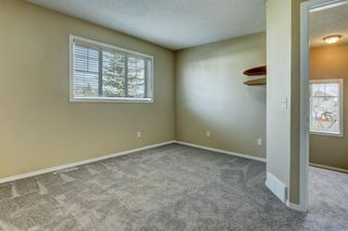 Photo 15: 431 Country Village Cape NE in Calgary: Country Hills Village Row/Townhouse for sale : MLS®# A1043447