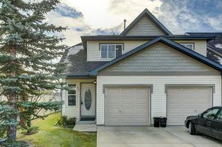Main Photo: 431 Country Village Cape NE in Calgary: Country Hills Village Row/Townhouse for sale : MLS®# A1043447