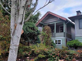 Photo 2: 1654 E PENDER Street in Vancouver: Hastings House for sale (Vancouver East)  : MLS®# R2516845